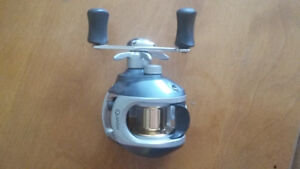 Baitcast Fishing reel-Quantum Recon