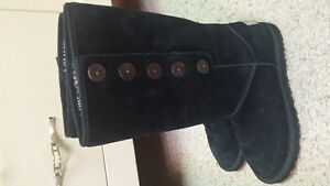 barely worn ugg boots size 6 black