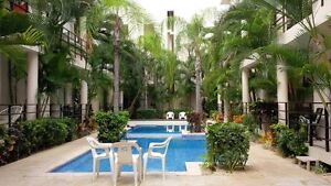 Playa del Carmen-Large 2 bdrm-Sleeps 6, with Pool, Near the Sea!