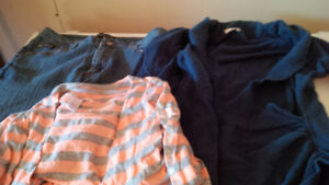 Taille 9 ans jeans / pantalons propres /chandail / robe chambre