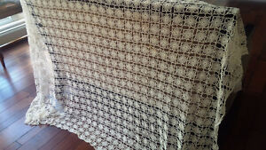 Vintage Crocheted Tablecloth Champagne Off-White Kitchener / Waterloo Kitchener Area image 1