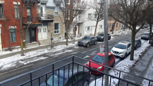 2 bedroom 1 office apartment, Plateau. 5 Min to metro Mt Royal.