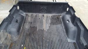 Dodge Dakota 4 x 4 short box bed liner