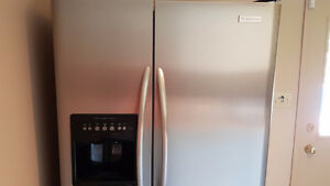 Stainless steel - Frigidaire Professional with ice and water