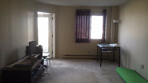 Spacious 2 bedroom apartment available for lease transfer