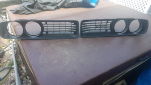 Set of 1972 rallye dodge Charger grill!