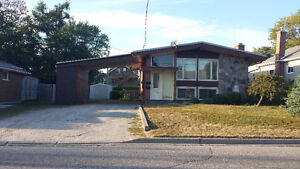 Pinewood 3 bed - Incl heat, water, laundry, lawn & snow - $1350