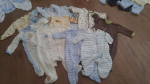 Assortment of boy's baby clothes 0-18mons