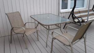 Meubles terrasse jardin dans l vis maison ext rieur for Table exterieur kijiji