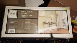 3-Piece Lamp Set and Table