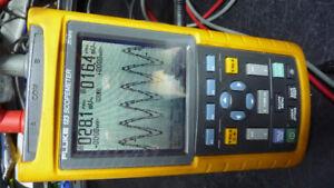 fluke dual trace digital osciloscope
