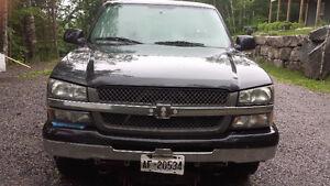 2005 Chevrolet Silverado 1500 5.3L single cab Pickup Truck