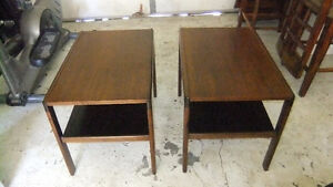 2 solid wood coffee end table in exc cond