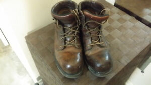 worx boots 9.5  by Red Wing  shoes ,safety ,winter ,hiking boots