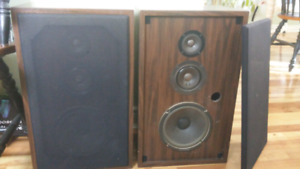 Hitachi speakers for sale