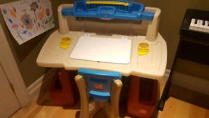 Kids art table (step 2)