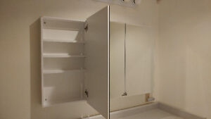 3-door mirrored medicine cabinet