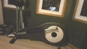 Bladez Fitness Elliptical E700i