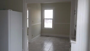 For Rent 2 bed 1 bath apartment in Springhill