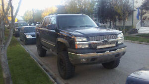 2005 fully loaded, LIFTED Avalanche !