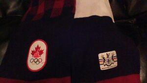NEW CANADA OLYMPIC SCARVES MADE BY THE HUDSONS BAY COMPANY Stratford Kitchener Area image 2