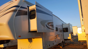 Reduced!! Like New Jayco EAGLE 321 RLTS FIFTH WHEEL
