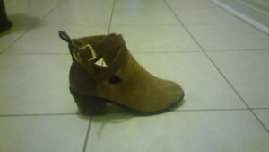 SUEDE/LEATHER ankle boots SIZE 8
