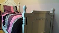 Girls solid wood trundle bed w two single matresses