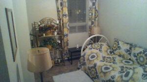 chambre a loué avec salon privé