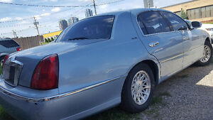 1999 Lincoln Town Car Signature 1 owner Trade for IPhone 7+