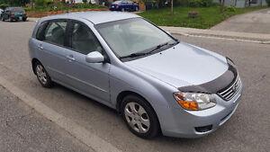 2008 Kia Spectra lx Hatchback..LOW KMS