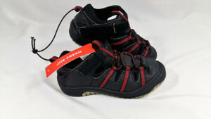 New Joe Fresh Kids Size 9 Shoe Black and Red With Tag Velcro