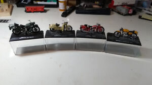 Diecast Motorcycle Scale Models Moto Guzzi's and a Ducati.