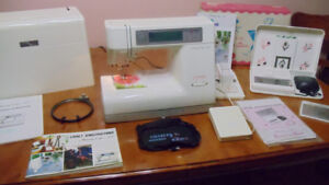 MACHINE A COUDRE A BRODERIE AVEC SCANNER.