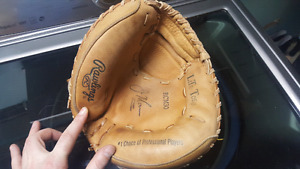 youth catchers glove.