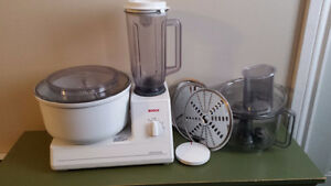 Bosch mixer w/ blender and slicer/shredder