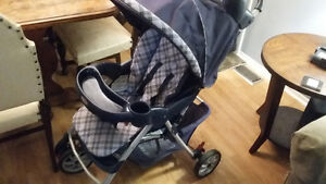 Selling/Graco stroller. .excellent condition