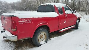 2000 Ford F-150 RED Pickup Truck
