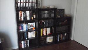 Bibliothèques et table gueridon