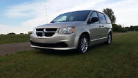 2013 Dodge Grand Caravan SE/SXT Loaded with DVD and Hitch