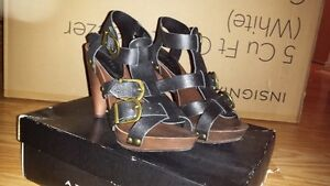 Black Leather strappy high heel shoes (sz 6) ** NEW**