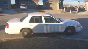 2003 ford crown Victoria ex rcmp LOW MILES