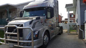 Camion Volvo 2012, moteur 500 Volvo,transmission automat $30 000