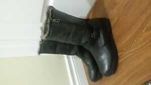 excellent condition winter boots for $25