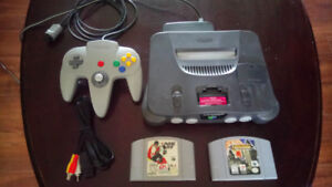 N64 SYSTEM, 1 ORIGINAL CONTROLLER CASTLEVANIA, ALL WIRES