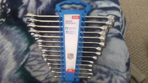 14 piece wrench set barley used