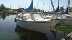 Sailboat/Voilier Matilda 23 1976 with/avec Trailer