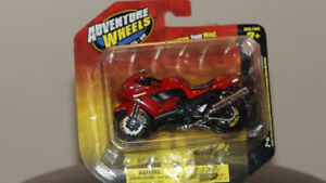 Maisto Adventure Wheels 1:18 2-wheelers
