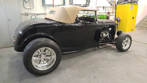 1932 Black Coupe Roadster