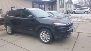 Fully loaded 2014 Jeep Cherokee Limited for sale